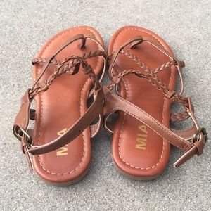 b38725f0b2b56d Mia Shoes - Mia Dannie braided sandal strappy Size 6 1 2 med